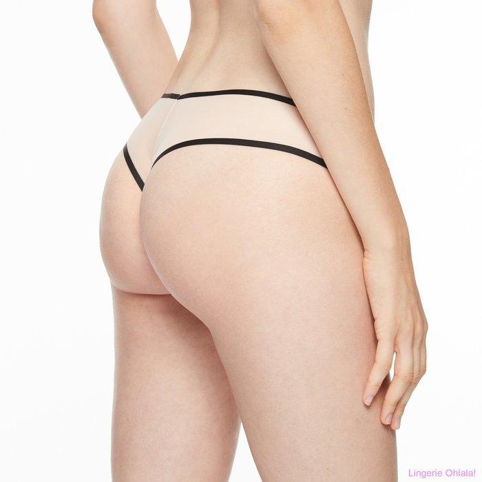 Chantal Thomass Singuliere String (Nude/Black)