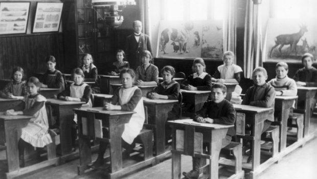 Svenska skolans utveckling under 150 år, du kan aldrig gissa hur det såg ut och funkade förr i tiden