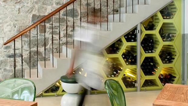 11 otroligt kreativa sätt att använda det tomma utrymmet under din trappa