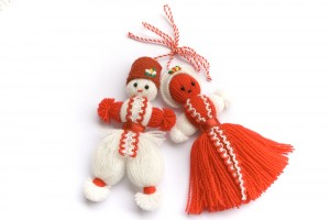 Red and white Bulgarian woolen thread dolls