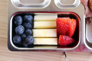 France Bento Apple Slices, Blueberries and Strawberries