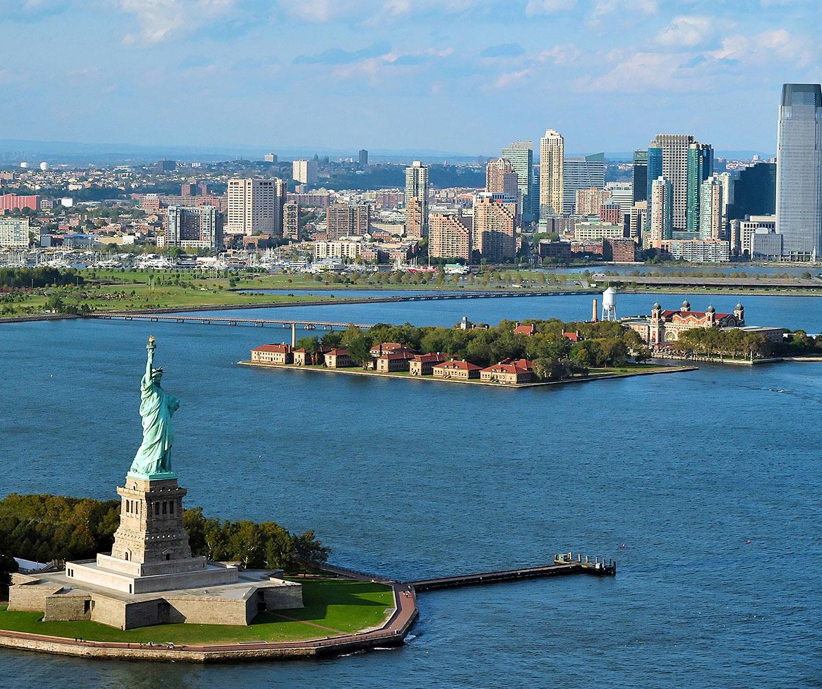 Ferry Ellis Island Liberty Island
