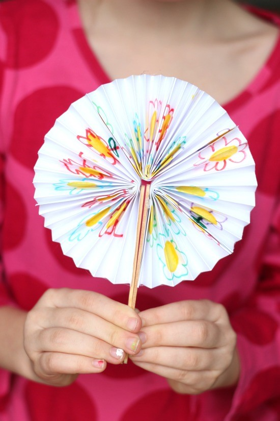 Diy Chinese New Year Fans How To Make A Chinese Fan