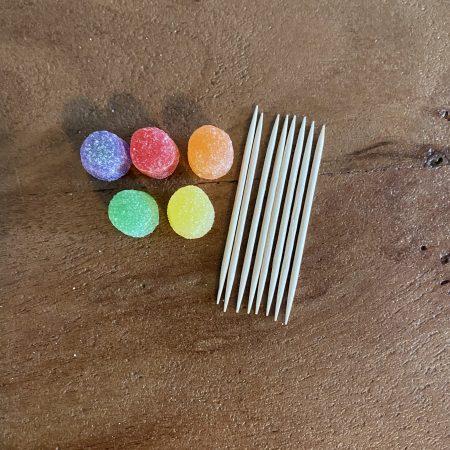 gumdrop pyramid supplies: 5 gumdrops, 8 toothpicks