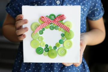 Evergreen button wreath