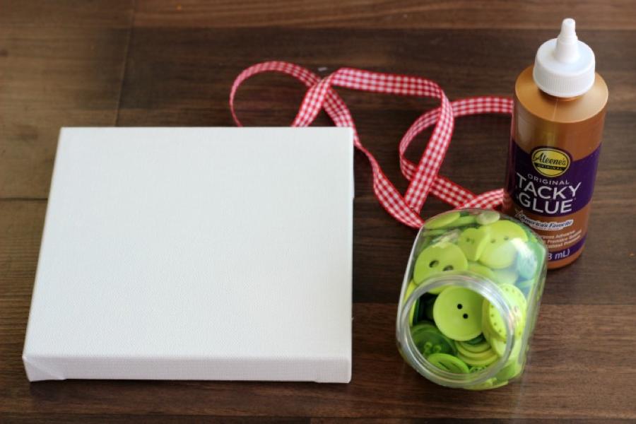 Evergreen button wreath materials