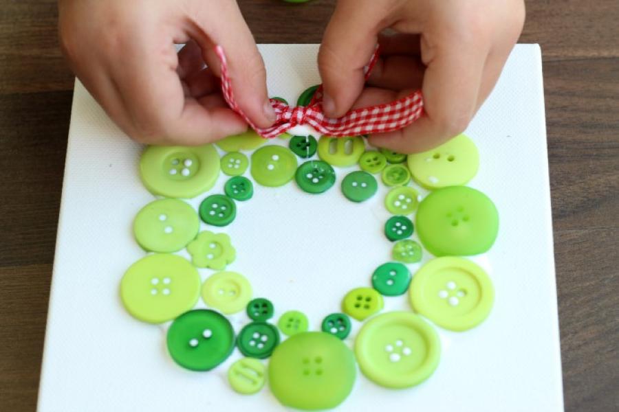 button-wreath-step-4