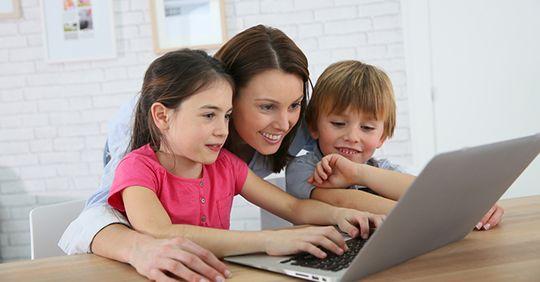 Parent at laptop choossing a plan