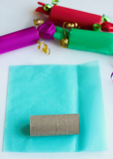 Make your own christmas crackers little passports making a diy christmas cracker step 2 solutioingenieria Choice Image