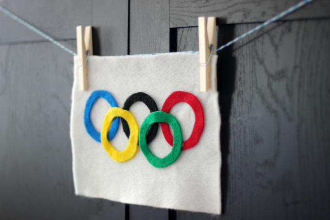 DIY Olympic Flag Craft
