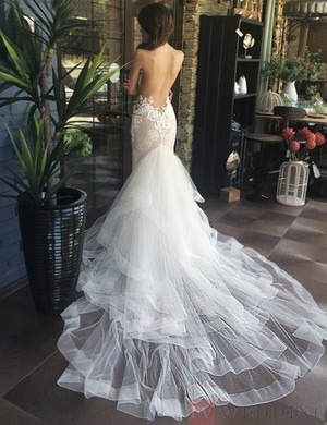 Beading Mermaid/Trumpet Tulle Wedding Dress With Pearls And Ruffles