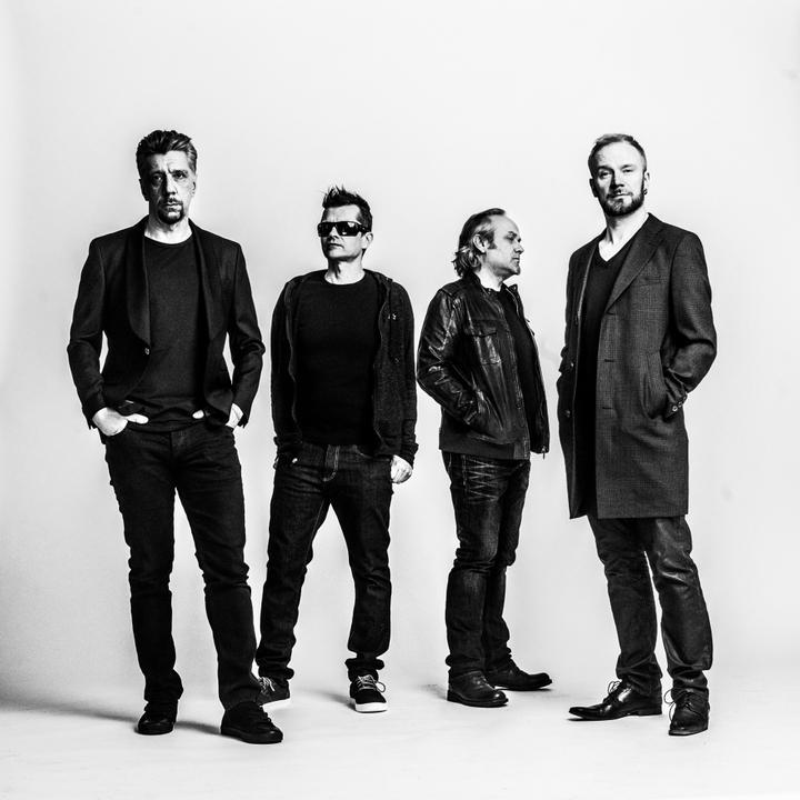 Bomba LIVE: Neljä Ruusua 10.4.