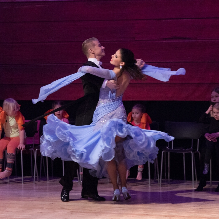 Dance with Me SHOW goes Movies 22.2.2020 Lappeenrannan Tanssiurheilijat ry