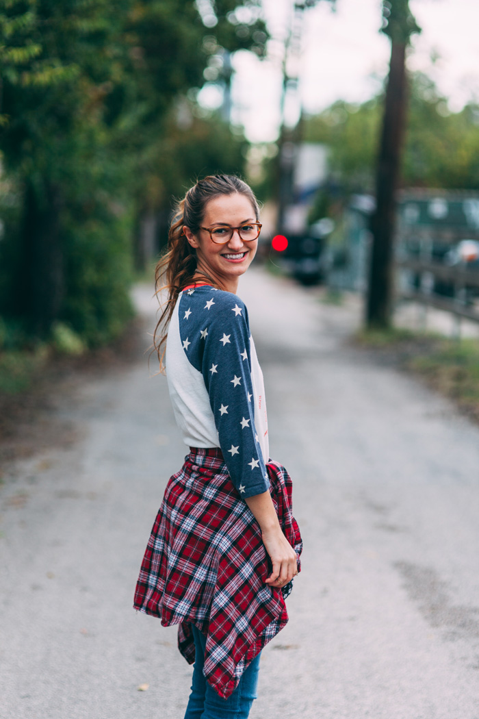 livvyland-feathers-olivia-watson-fashion-lifestyle-blog-austin-texas-boutique-stars-and-stripes-american-flag-tee-3