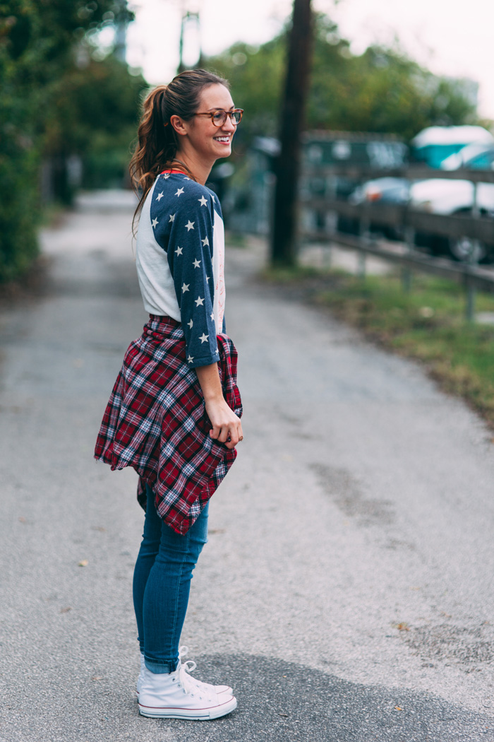 livvyland-feathers-olivia-watson-fashion-lifestyle-blog-austin-texas-boutique-stars-and-stripes-american-flag-tee-5