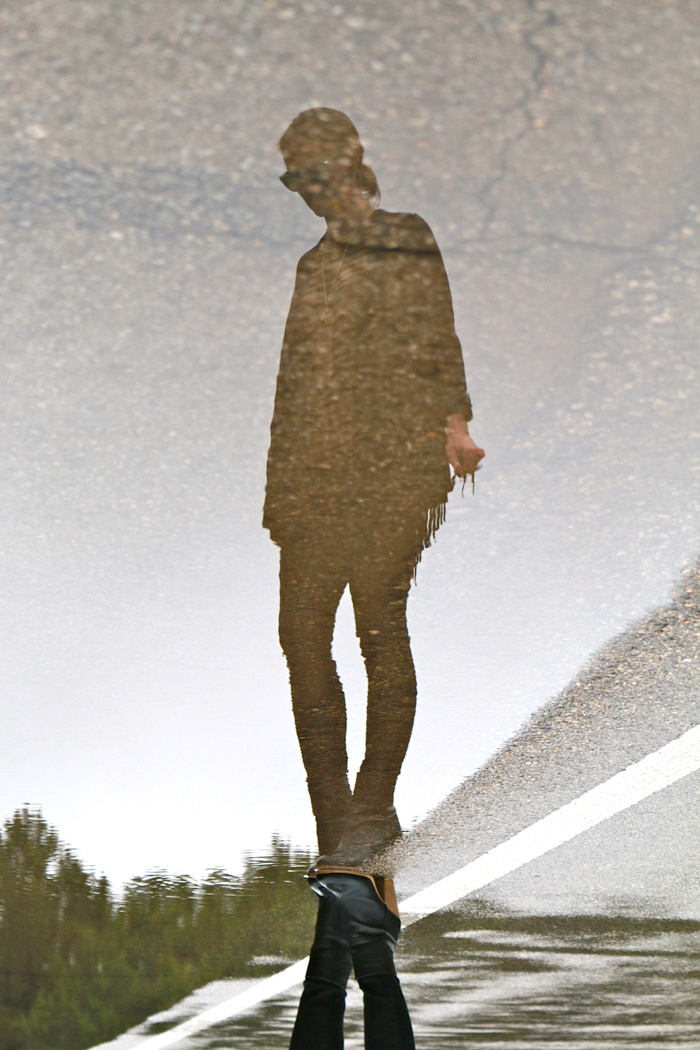 livvyland-blog-olivia-watson-austin-texas-fashion-blogger-puddle-reflection-fringe