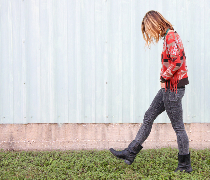 livvyland-fashion-blog-austin-texas-blogger-denim-and-supply-ralph-lauren-macys-fringe-sweater-5