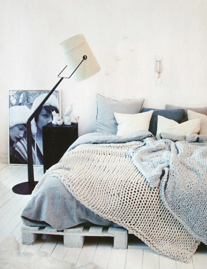cozy-bed-space-neutral-masculine-room-decor