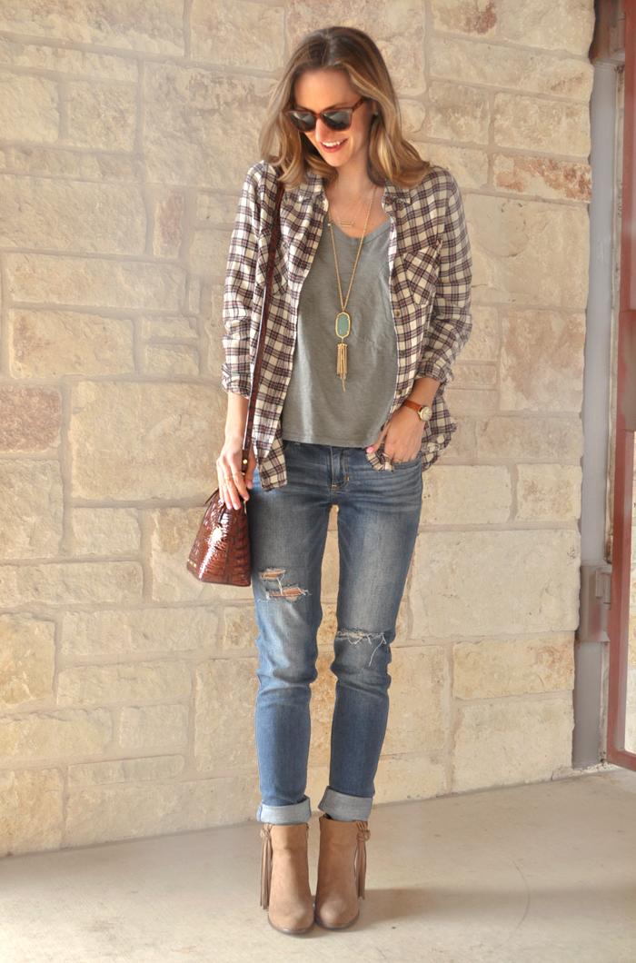 livvyland-blog-austin-fashion-blogger-olivia-watson-casual-style-toggery-brand-shirt-boyfriend-jeans-4