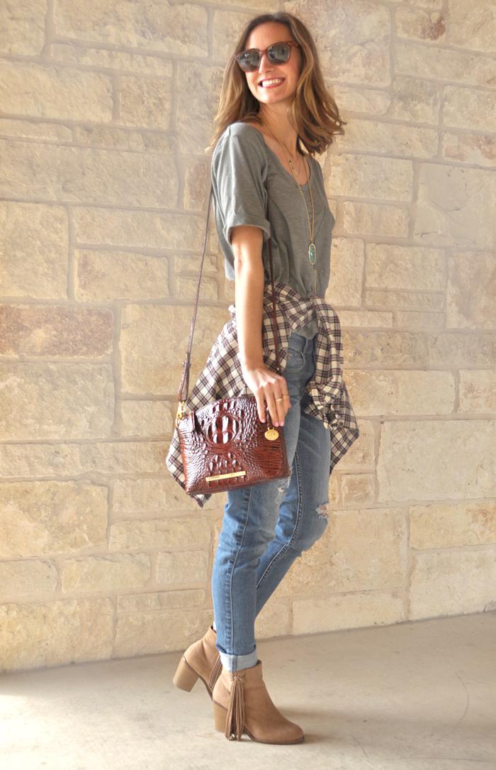 livvyland-blog-austin-fashion-blogger-olivia-watson-casual-style-toggery-brand-shirt-boyfriend-jeans-6