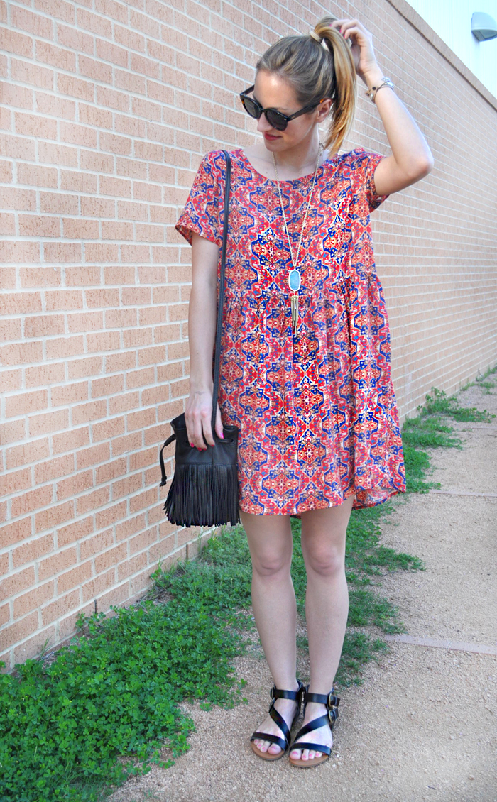 livvyland-blog-olivia-watson-austin-texas-fashion-blogger-forever21-babydoll-tribal-print-dress-kendra-scott-rayne-necklace-toms-sunglasses-roman-sandals-fringe-bucket-bag-2