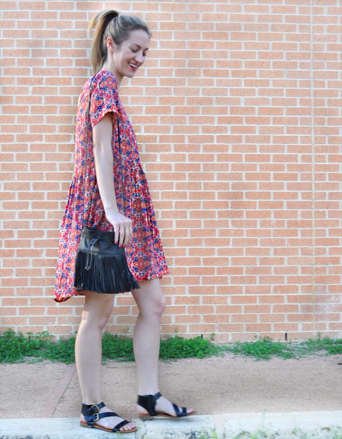 livvyland-blog-olivia-watson-austin-texas-fashion-blogger-forever21-babydoll-tribal-print-dress-kendra-scott-rayne-necklace-toms-sunglasses-roman-sandals-fringe-bucket-bag-5