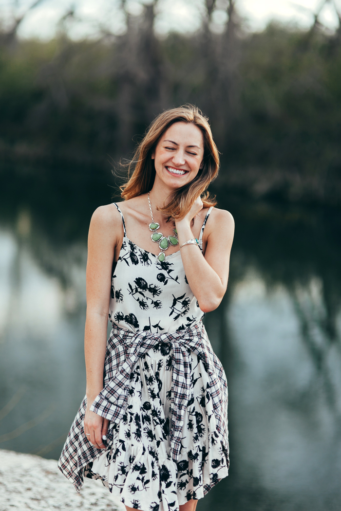 livvyland-blog-kayla-snell-photography-olivia-watson-austin-texas-free-people-austin-fashion-blogger-sxsw-fp-festival-days-style-circle-of-flowers-dress-strappy-back-bra-4