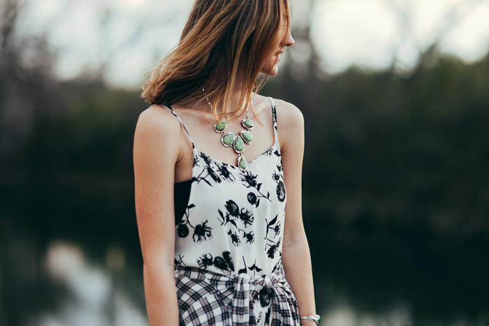 livvyland-blog-kayla-snell-photography-olivia-watson-austin-texas-free-people-austin-fashion-blogger-sxsw-fp-festival-days-style-circle-of-flowers-dress-strappy-back-bra-6