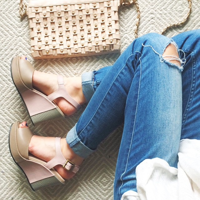 fortress-of-inca-livvyland-blush-pink-wedge-sandals-austin-texas-fashion-blogger-style