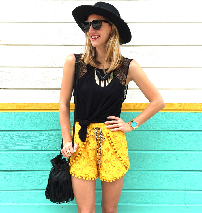 livvyland-blog-olivia-watson-austin-texas-fashion-style-lifestyle-blogger-bloggers-yellow-pom-pom-shorts-mule-wedges-fedora-hat-what-to-wear-trendy-outfit-atx-fashion-fringe-bucket-bag-music-festival-x-games-acl-fest-3