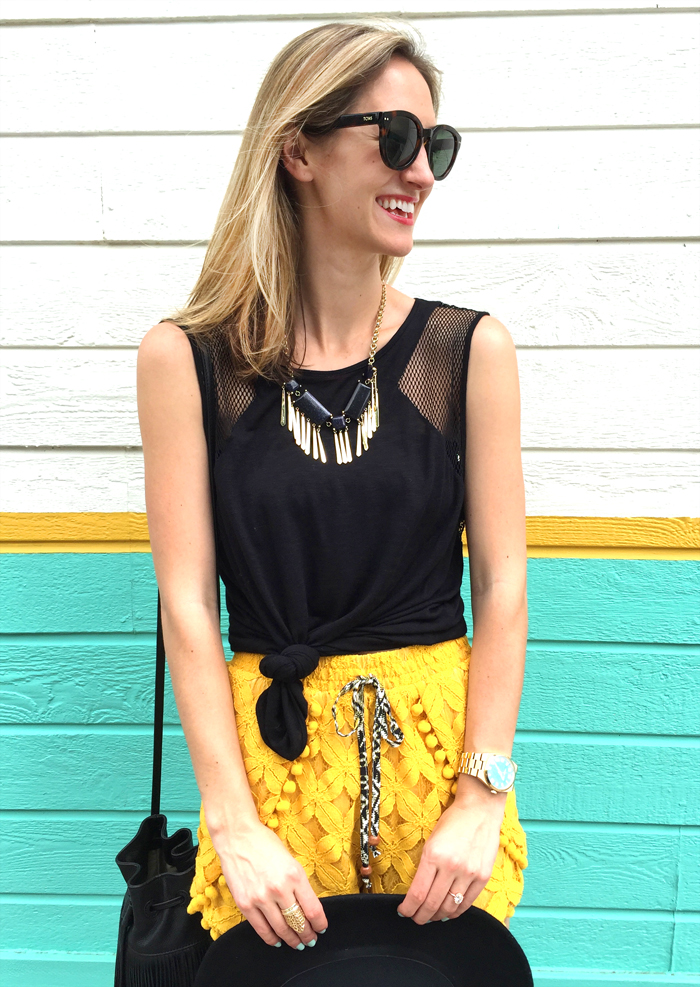 livvyland-blog-olivia-watson-austin-texas-fashion-style-lifestyle-blogger-bloggers-yellow-pom-pom-shorts-mule-wedges-fedora-hat-what-to-wear-trendy-outfit-atx-fashion-fringe-bucket-bag-music-festival-x-games-acl-fest-6