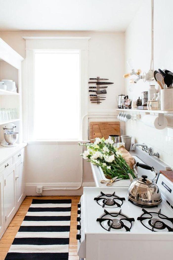 kitchen-rugs-stripes