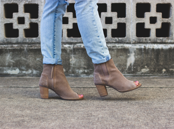 livvyland-blog-olivia-watson-austin-texas-fashion-style-blogger-nude-summer-booties-toms-majora-suede-heels-shoes-cuffed-pants-kathryn-frazer-photography