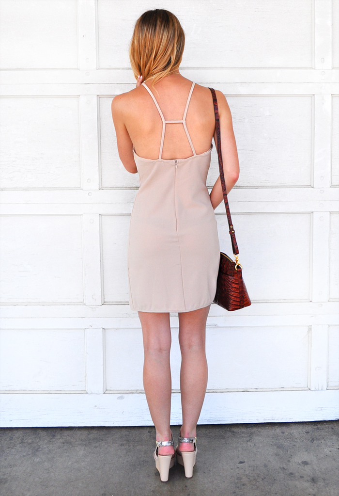 livvyland-blog-dee-elle-scallop-trim-body-con-dress-bodycon-nude-beige-taupe-austin-texas-fashion-blogger-olivia-watson-4