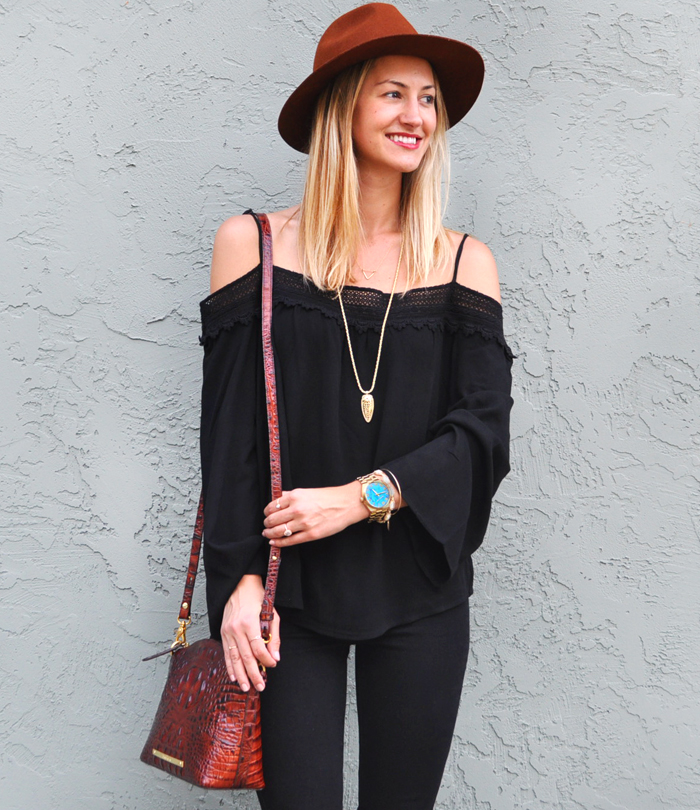 livvyland-blog-olivia-watson-austin-city-limits-music-festival-what-to-wear-acl-2015-austin-texas-fashion-blogger-boho-outfit-trendy-atx-style-black-on-black-70s-trend-2