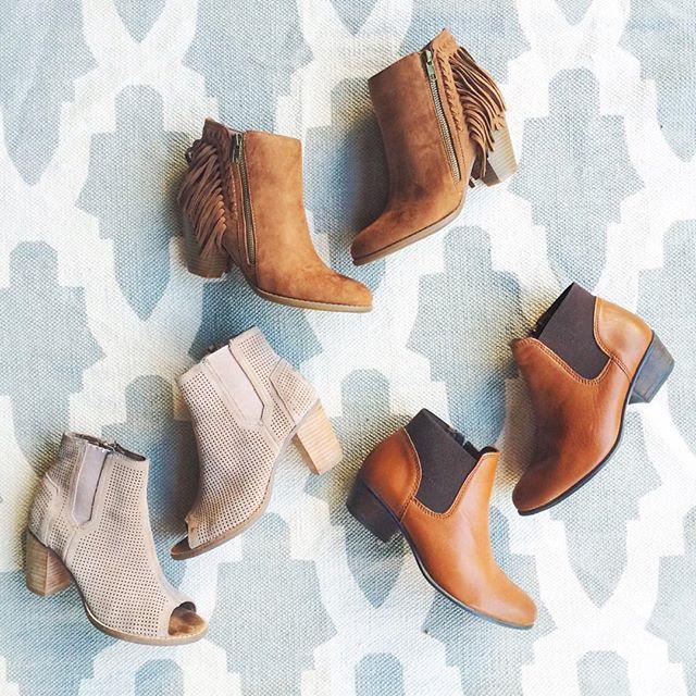 livvyland-blog-olivia-watson-fringe-booties-fall-fashion-austin-texas-olivia-watson-2