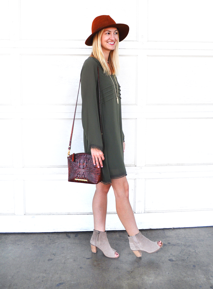 fall-outfit-inspiration-livvyland-blog-olivia-watson-dee-elle-olive-green-shift-dress-nordstrom-austin-texas-fashion-blogger-toms-majorca-suede-booties-brahmin-handbag-8