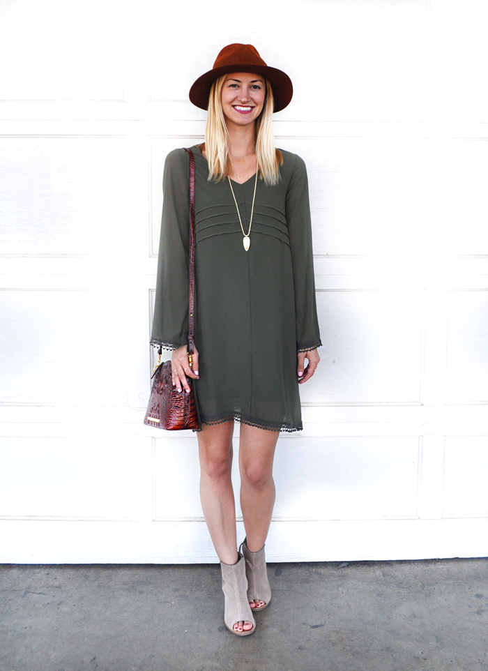 fall-outfit-inspiration-livvyland-blog-olivia-watson-dee-elle-olive-green-shift-dress-nordstrom-austin-texas-fashion-blogger-toms-majorca-suede-booties-brahmin-handbag-7