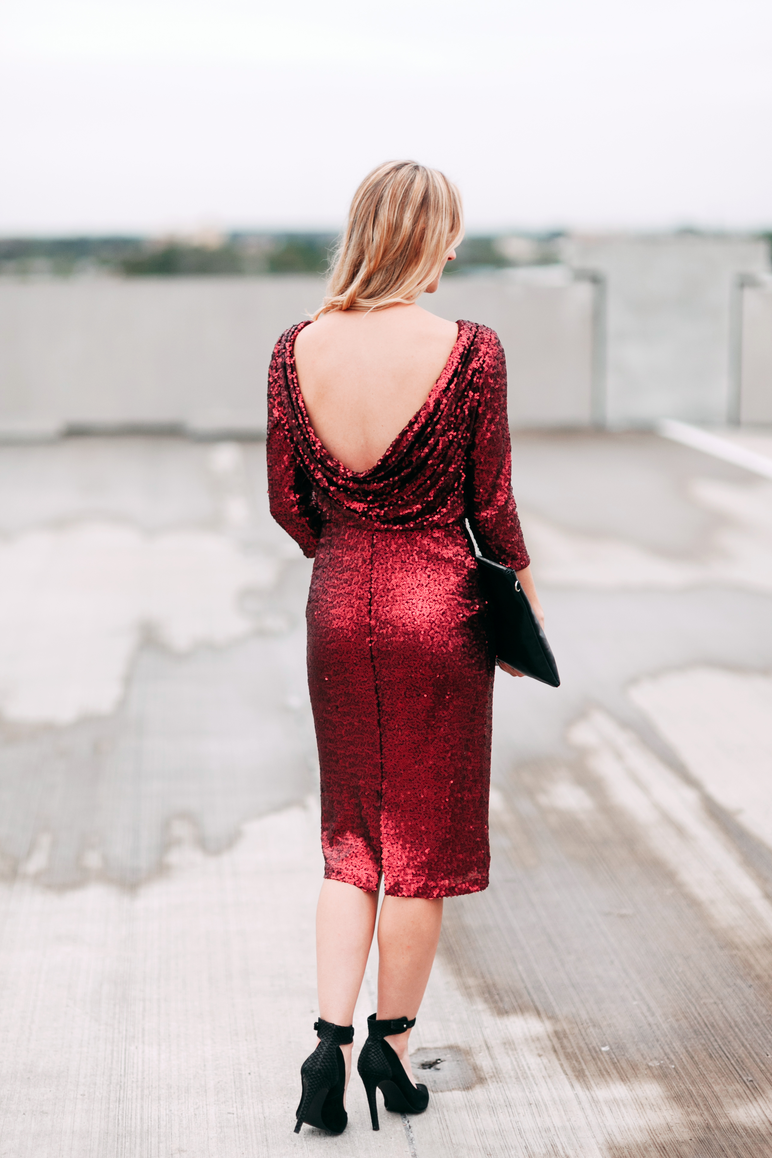 livvyland-blog-olivia-watson-badgley-mischka-red-wine-merlot-sequins-sheath-dress-christmas-holiday-party-style-outfit-inspiration-dress-kayla-snell-photography-austin-texas-fashion-blogger-2