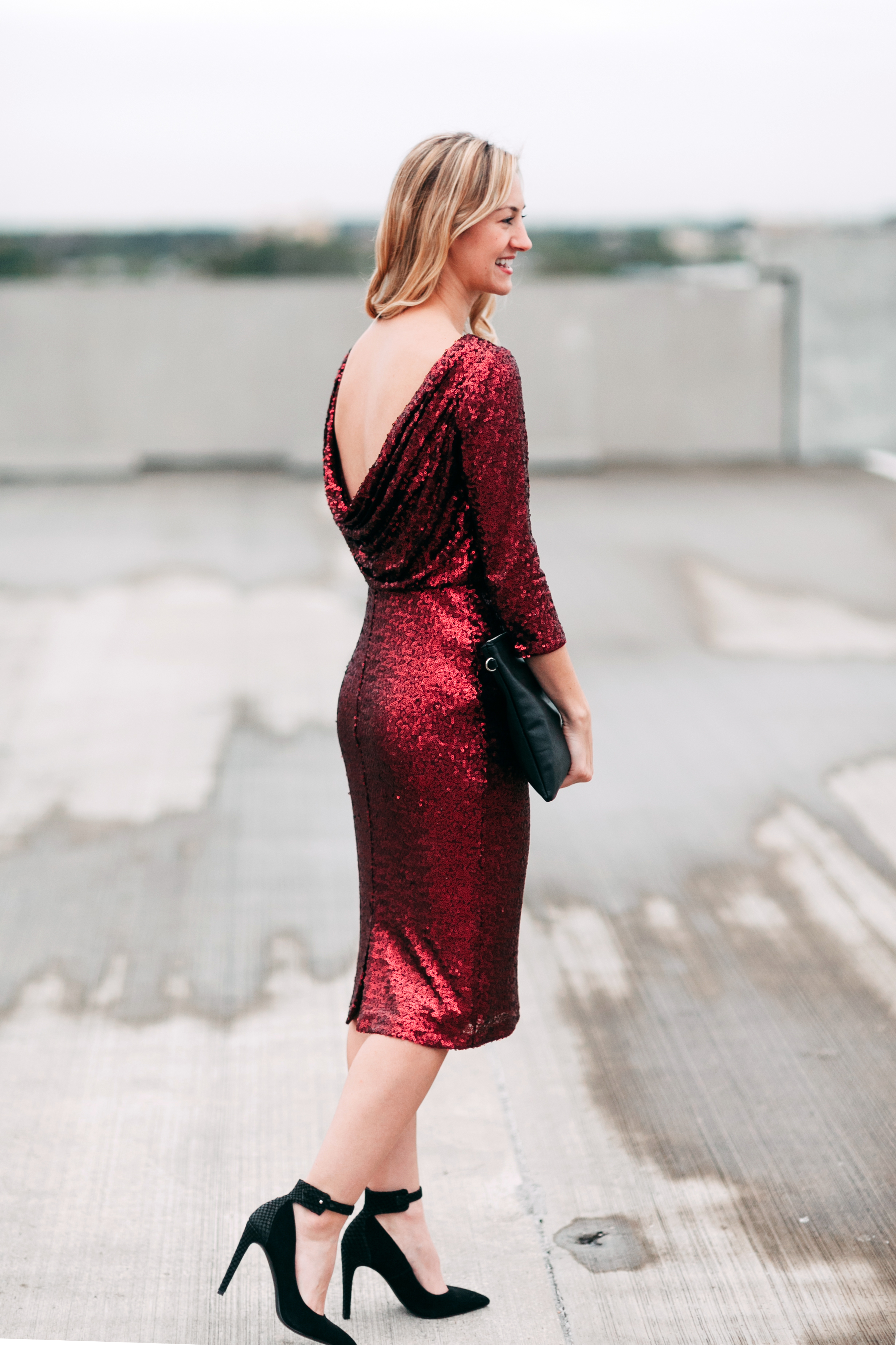 livvyland-blog-olivia-watson-badgley-mischka-red-wine-merlot-sequins-sheath-dress-christmas-holiday-party-style-outfit-inspiration-dress-kayla-snell-photography-austin-texas-fashion-blogger-3