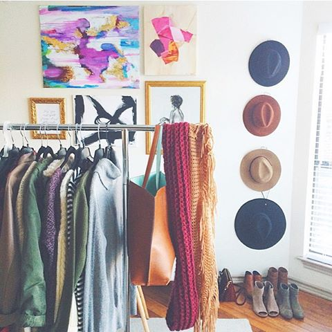 livvyland-blog-olivia-watson-home-office-decor-decoration-idea-inspiration-hat-wall-clothing-rack-fashion-blogger-hipster-boho