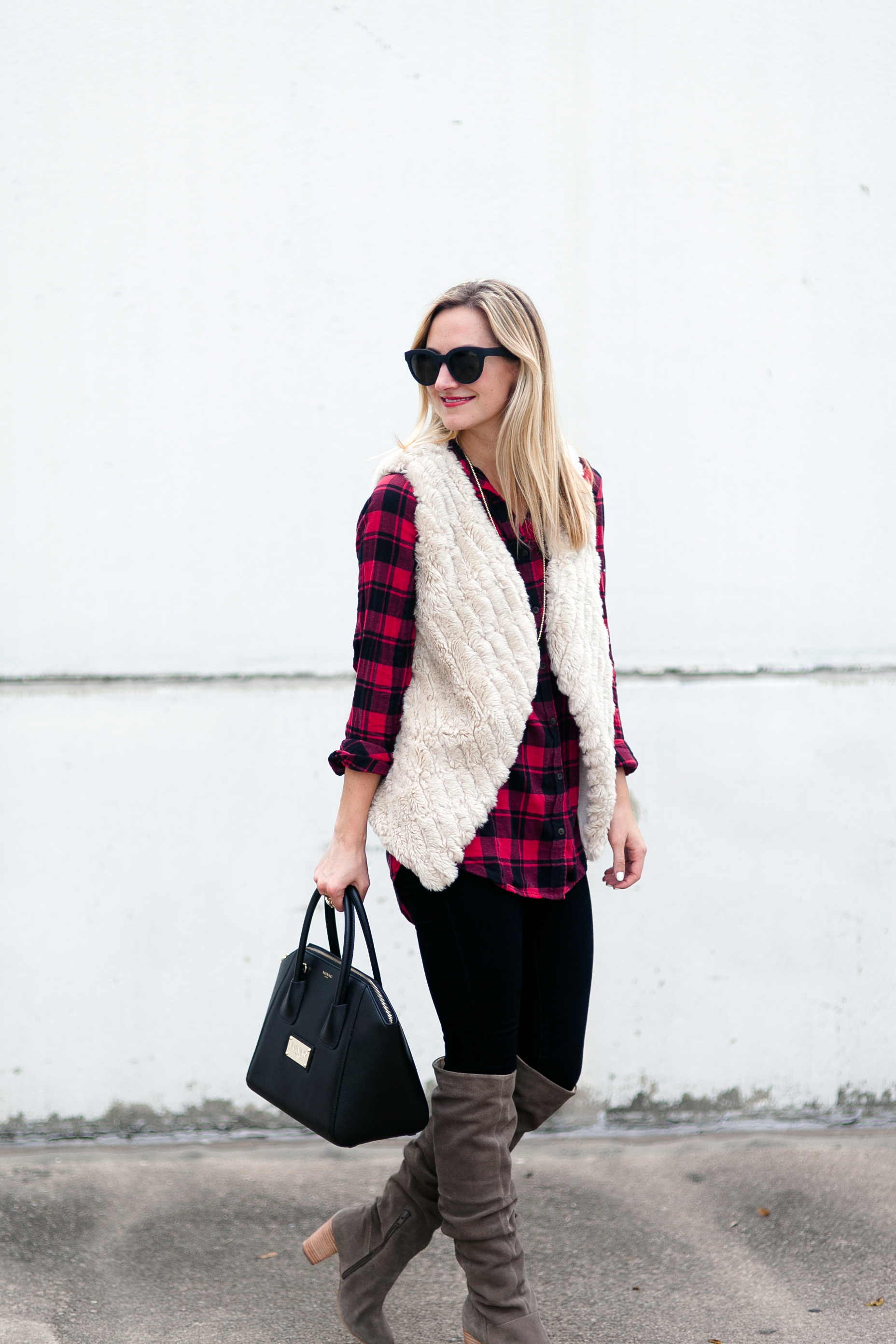 livvyland-blog-olivia-watson-thanksgiving-outfit-idea-1-over-the-knee-boots-seychelles-bb-dakota-faux-fur-vest-2