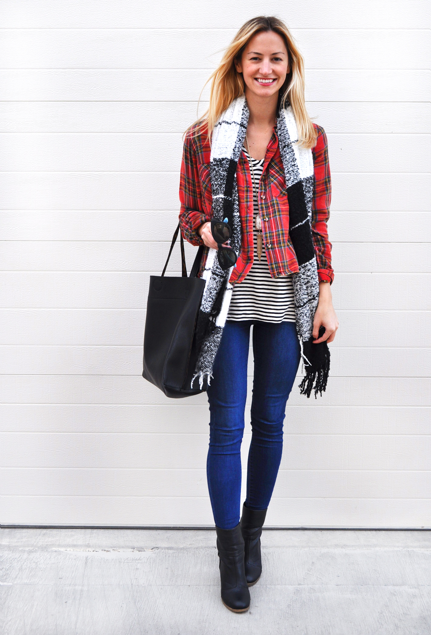 livvyland-blog-olivia-watson-topshop-plaid-top-striped-shirt-leigh-skinny-jeans-winter-layers-kendra-scott-rayne-necklace-white-pearl-austin-texas-fashion-blogger-3