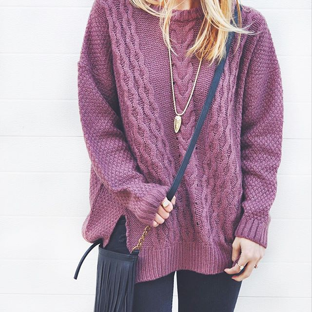 livvyland-blog-olivia-watson-violet-oversize-knit-cable-front-sweater-fringe-purse-austin-texas-fashion-blogger