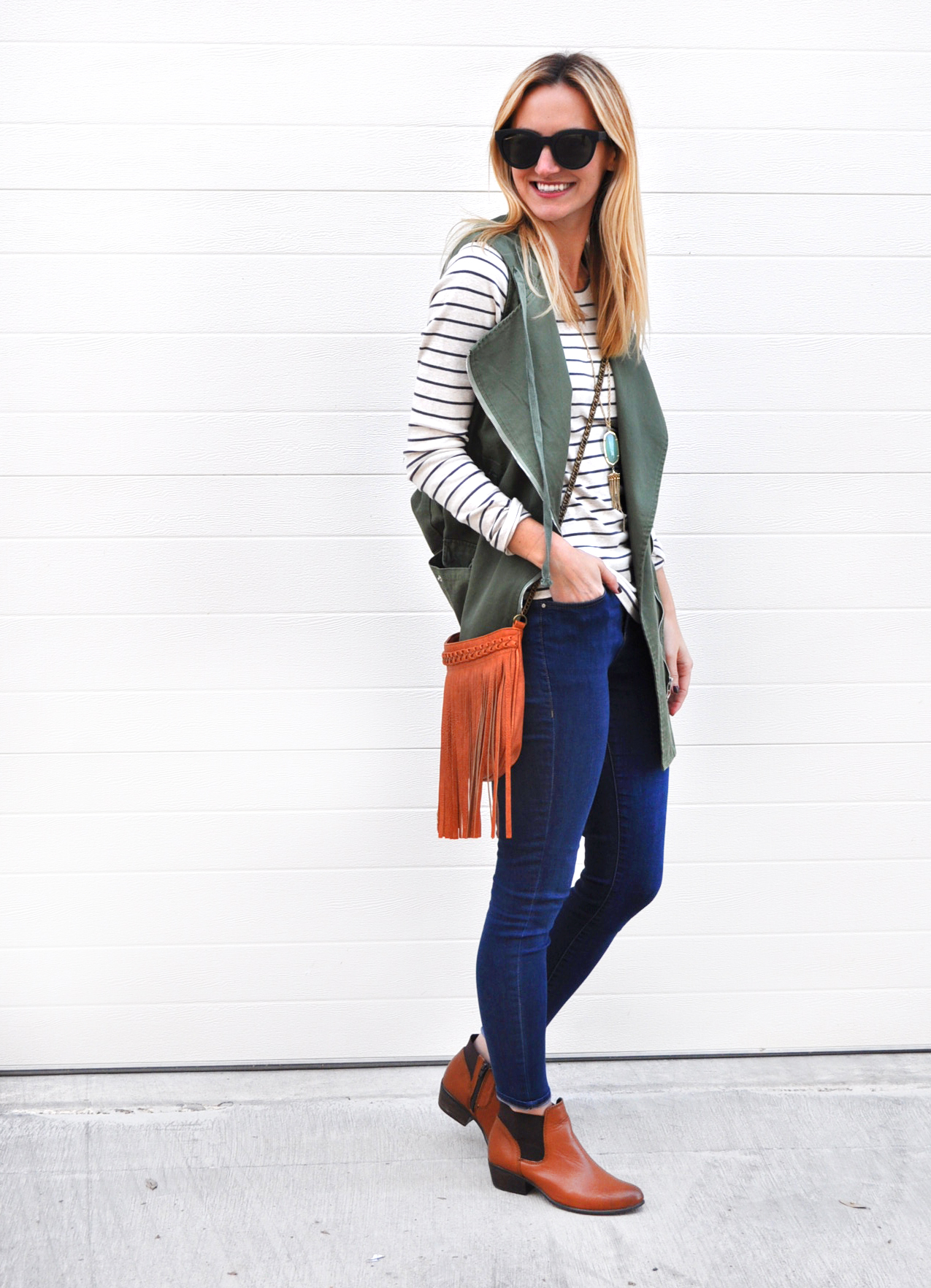 livvyland-blog-olivia-watson-army-green-utility-vest-fringe-handbag-brown-chelsea-boots-booties-austin-texas-fashion-blogger-4