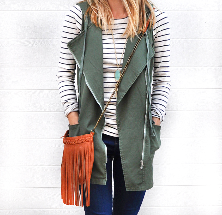 livvyland-blog-olivia-watson-army-green-utility-vest-fringe-handbag-brown-chelsea-boots-booties-austin-texas-fashion-blogger-5
