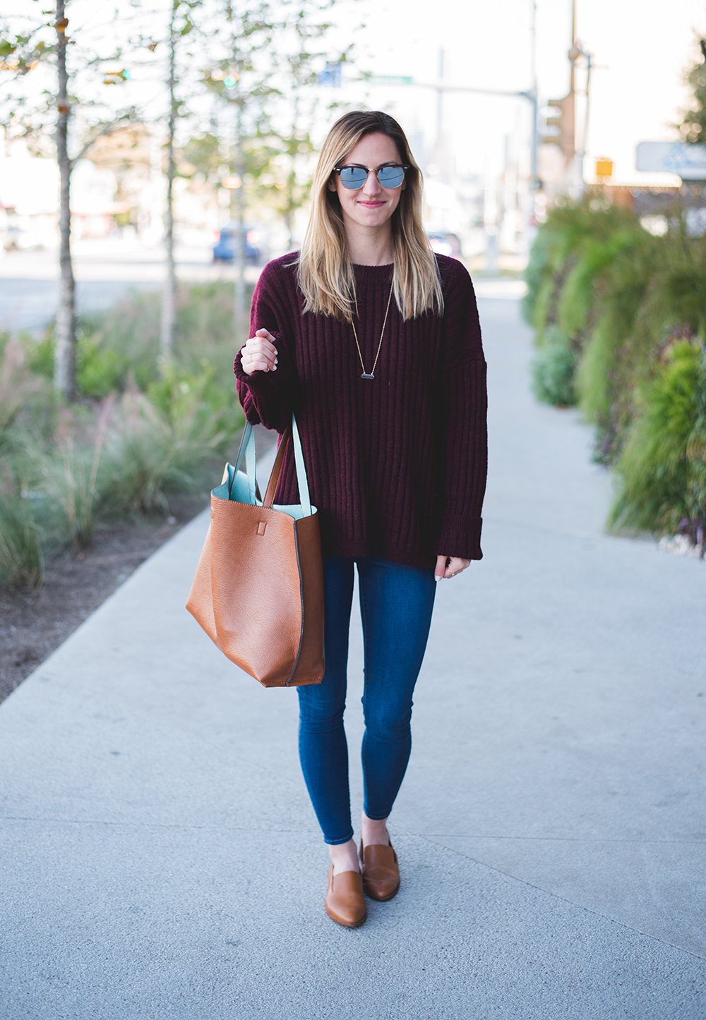 livvyland-blog-olivia-watson-oversize-wine-burgundy-knit-chunky-grandpa-sweater-austin-texas-fashion-blogger-olivia-watson-kathryn-frazer-photography-south-congress-hotel-madewell-tan-loafers-flats-12