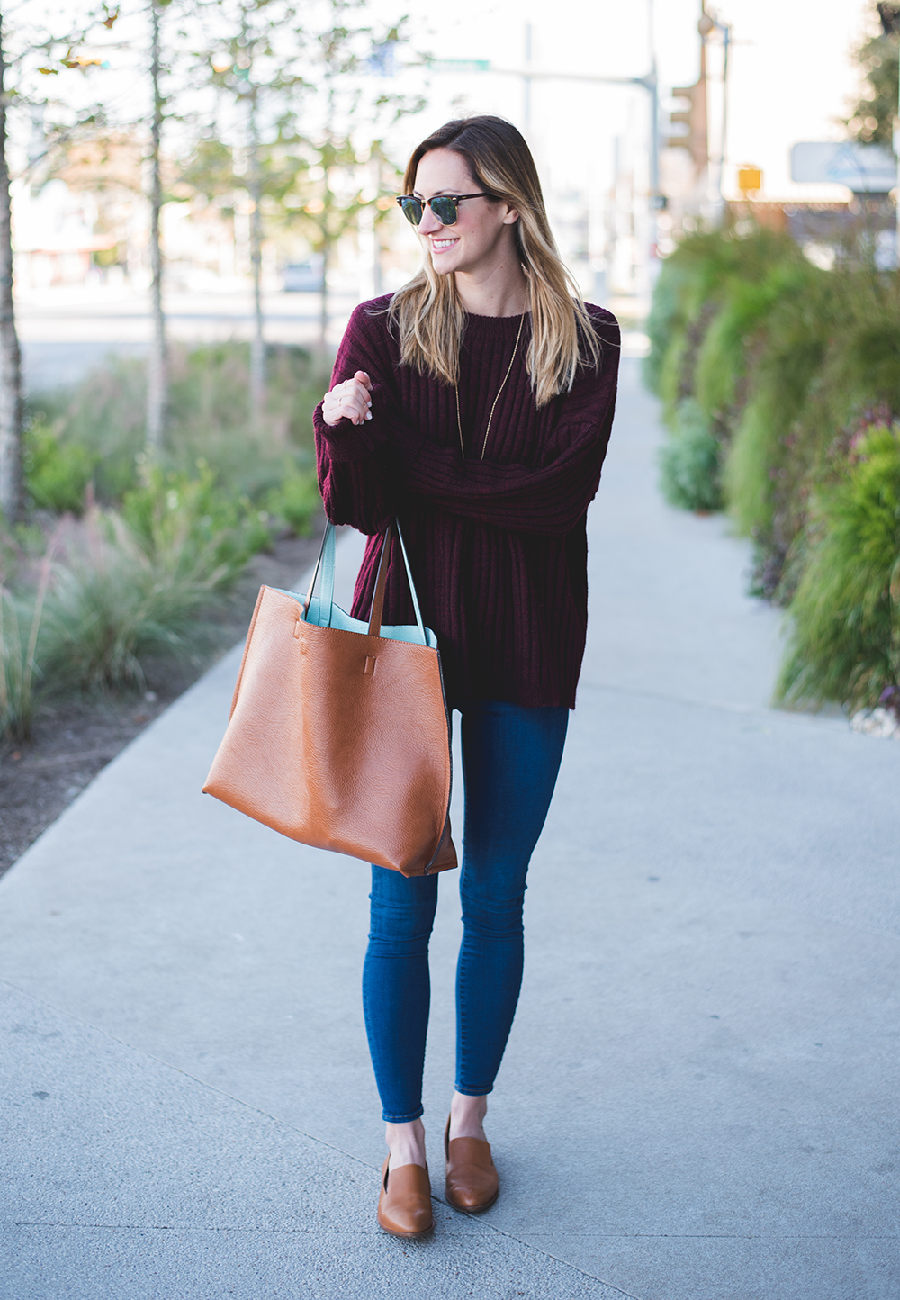 livvyland-blog-olivia-watson-oversize-wine-burgundy-knit-chunky-grandpa-sweater-austin-texas-fashion-blogger-olivia-watson-kathryn-frazer-photography-south-congress-hotel-madewell-tan-loafers-flats-14