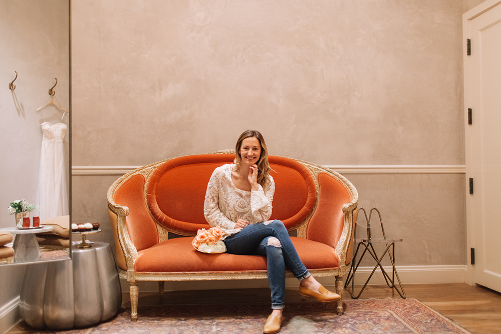 livvyland-blog-bhldn-store-front-houston-texas-bridal-salon-wedding-dress-shopping-austin-texas-fashion-blogger-olivia-watson-kayla-snell-photography-fitting-room-vintage-sofa-coral