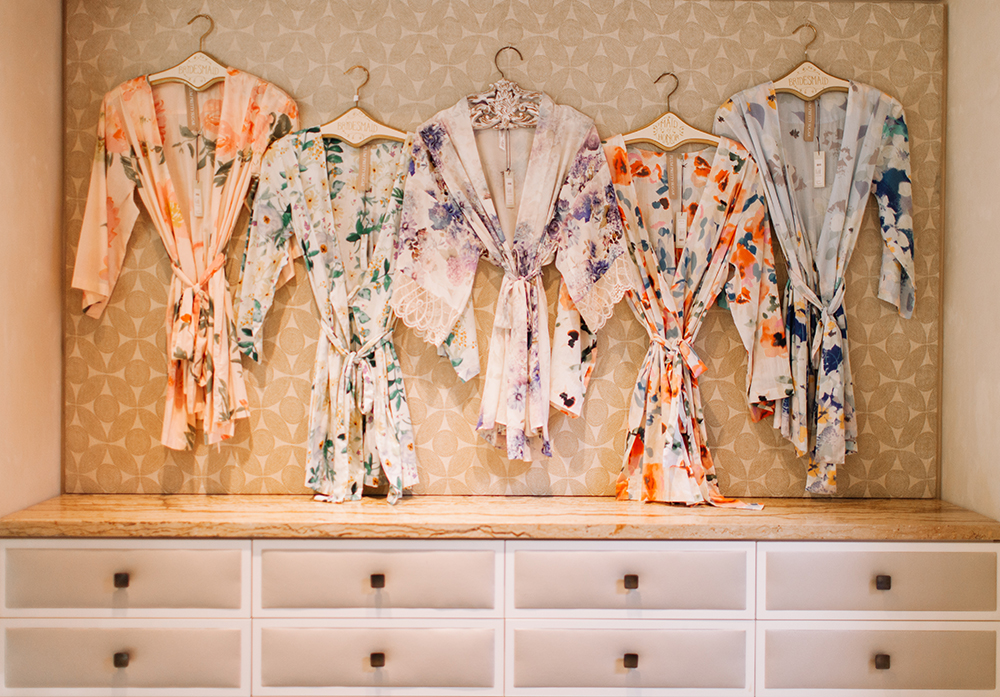 livvyland-blog-bhldn-store-front-houston-texas-bridal-salon-wedding-dress-shopping-austin-texas-fashion-blogger-olivia-watson-kayla-snell-photography-floral-silk-kimono-lace-bridesmaids-bridal-party